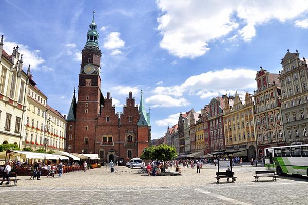 поступить в Польшу, высшее образование в Польше, учеба в Польше, обучение в Польше, образовательный центр AMBASADOR, Вроцлав